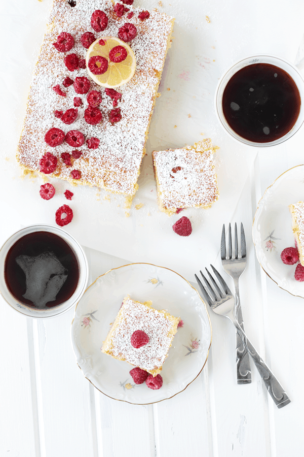 This Lemon Raspberry Coffee Cake is full of lemon flavor and bursting with raspberries!  It is summer in a cake! | Countryside Cravings