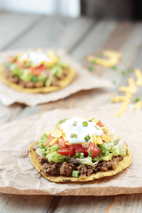 These Beefy Bean Tostadas are an easy weeknight meal in under 30 minutes!  | Countryside Cravings