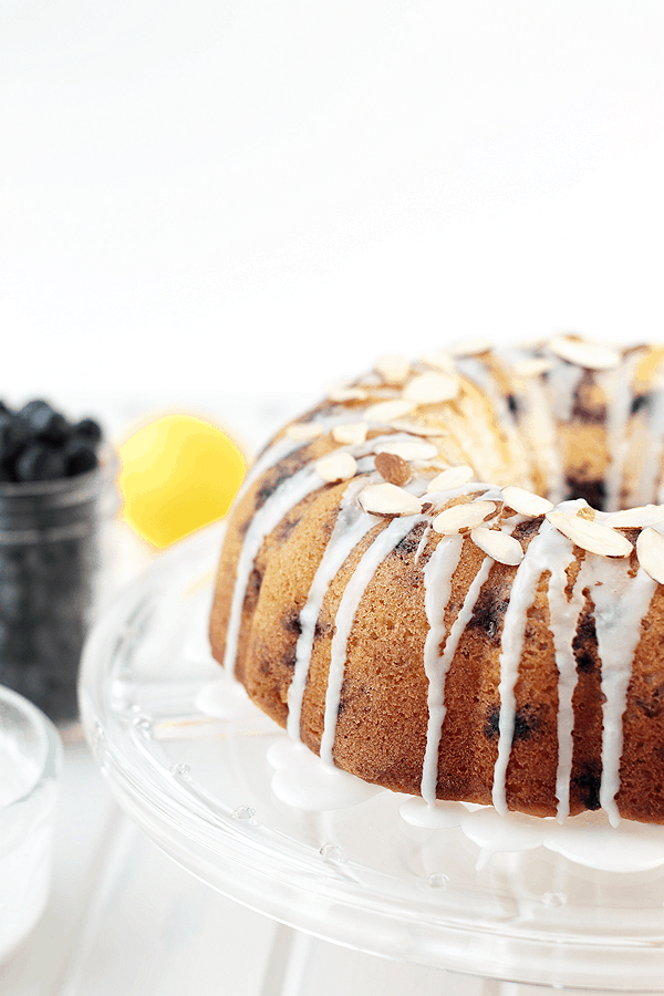 This Lemon Blueberry Coffee Cake is simple yet impressive and bursting with sweet blueberries! | Countryside Cravings