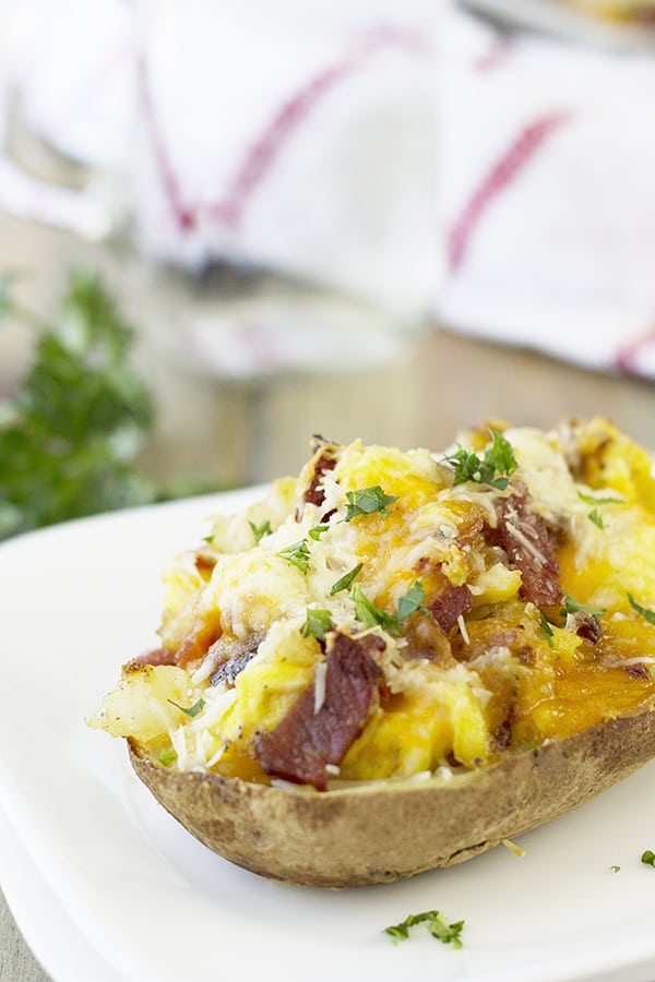 These Twice Baked Breakfast Potatoes are a great way to use leftover baked potatoes! | Countryside Cravings