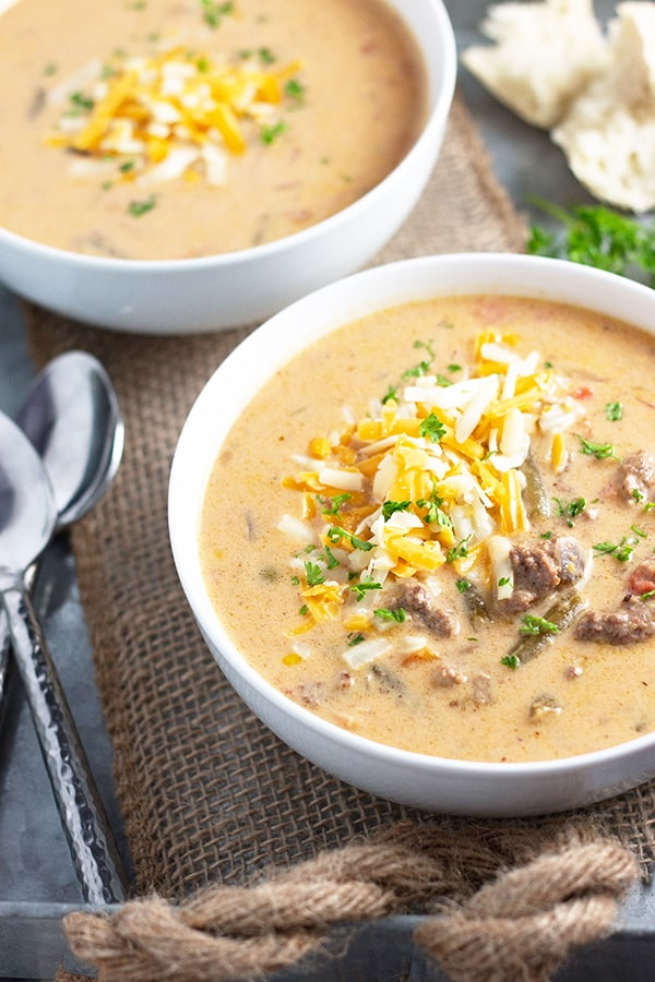 Slow Cooker Cheeseburger Soup- a delicious soup that tastes like a cheeseburger made right in your slow cooker!   Countryside Cravings