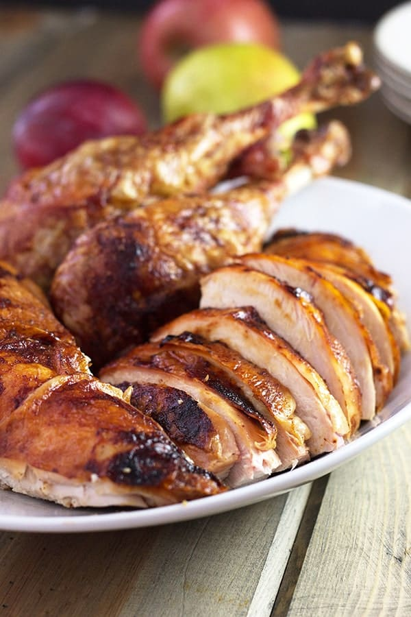 Beer and Butter Turkey- this is an easy turkey that will impress. It is super moist and full of flavor! | countrysidecravings.com