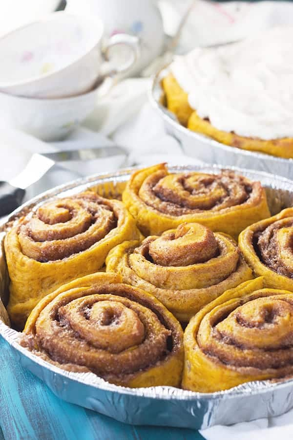 Pumpkin Cinnamon Rolls- a great way to enjoy your morning with these ...