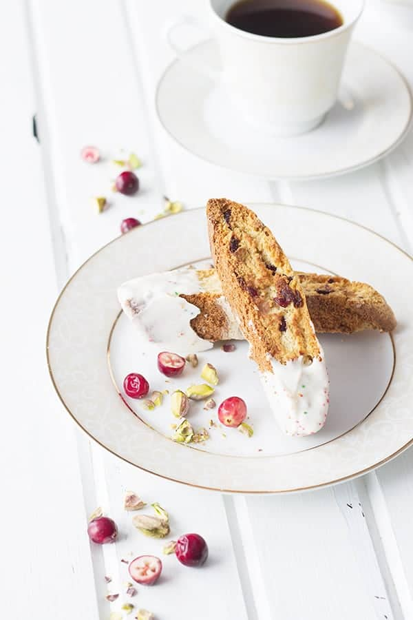 Cranberry Pistachio Biscotti- the perfect Christmas cookie with the dried red cranberries and the green pistachios! | countrysidecravings.com