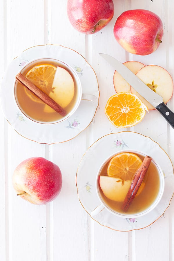 Slow Cooker Apple Cider- made easy in the slow cooker and so warm and comforting!   countrysidecravings.com