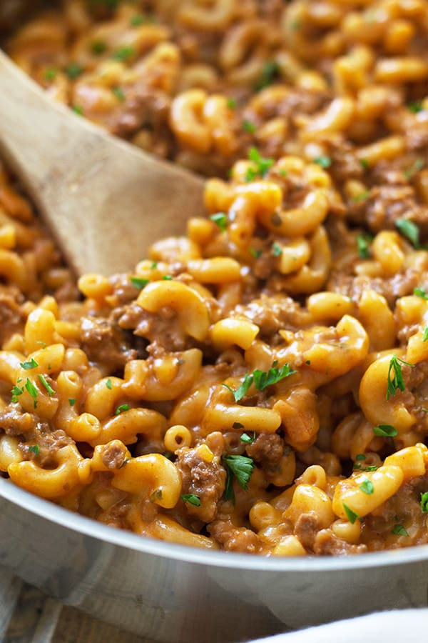Homemade Hamburger Helper -just as quick and easy as the boxed stuff, but tastes way better! | countrysidecravings.com