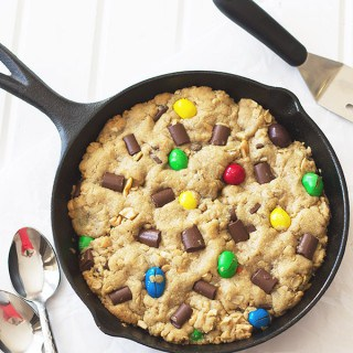 Monster Skillet Cookie (Pizookie)