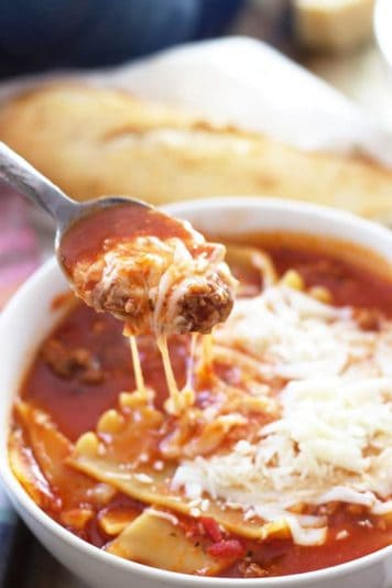 Lasagna Soup -easy one pot recipe with all the flavors of lasagna but no layering! | countrysidecravings.com