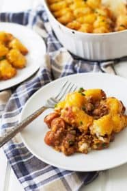Chili Dog Tater Tot Casserole -a twist on a family favorite recipe! | www.countrysidecravings.com