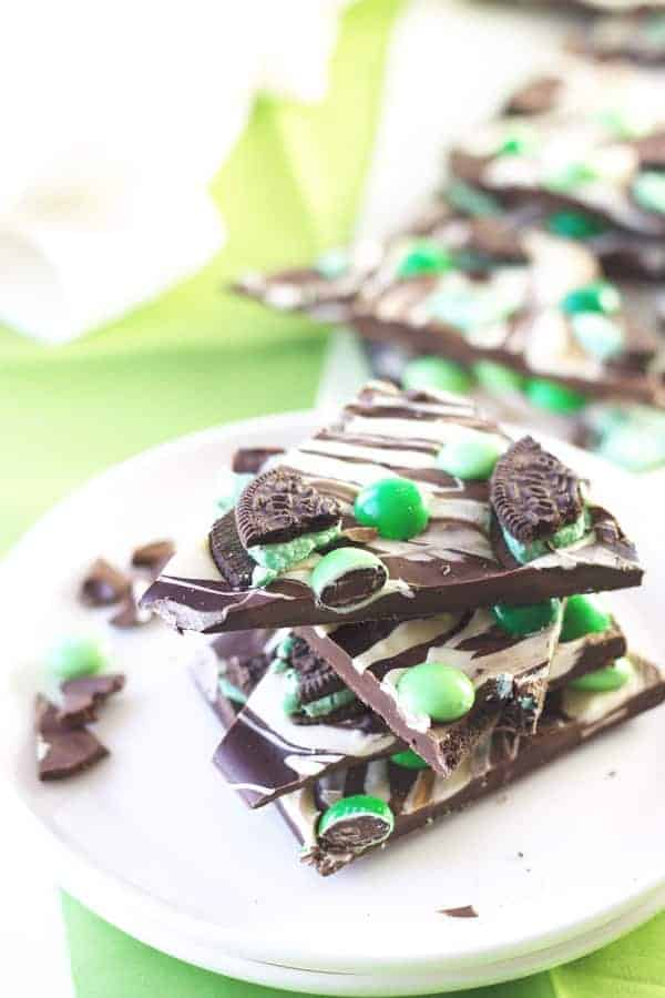 St. Patrick's Day Bark -an easy recipe for a great treat to enjoy on St. Patrick's Day!   www.countrysidecravings.com