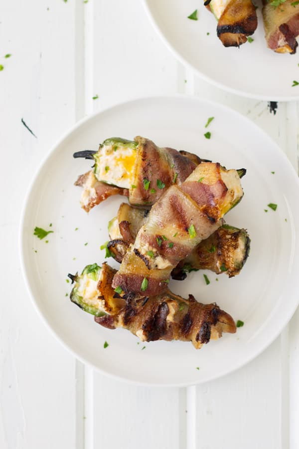 how to make grilled bacon wrapped jalapeno poppers