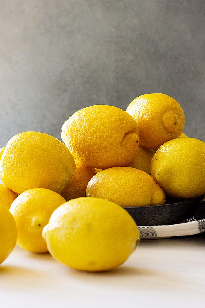 A bunch of lemons.