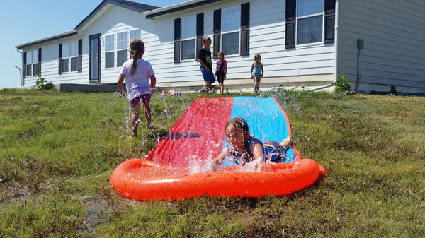 kids-on-water-slide