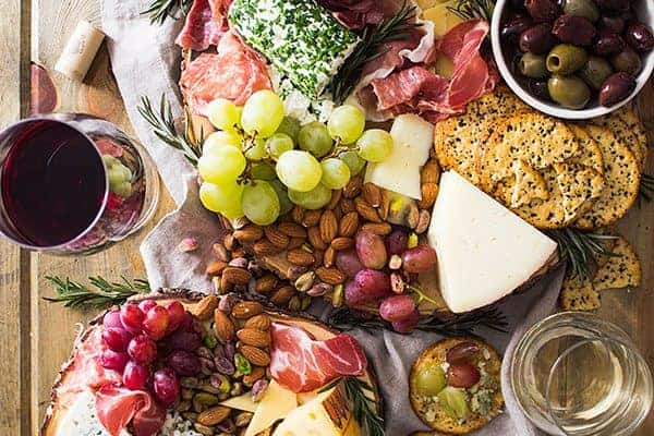 This easy cheese board is a must have appetizer for any holiday get together! | www.countrysidecravings.com