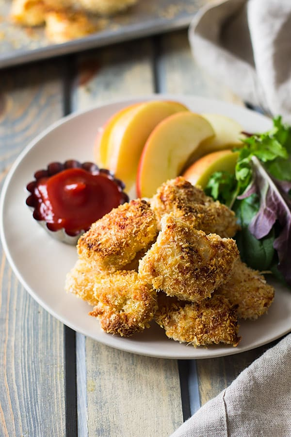 These Baked Homemade Chicken Nuggets are way better than the store bought and you can pronounce everything on these golden nuggets! | www.countrysidecravings.com
