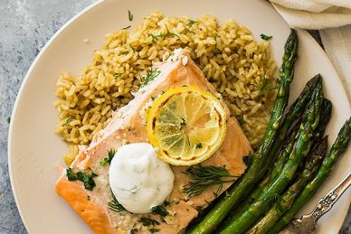 This Simple Sheet Pan Salmon and Asparagus is dinner made on one sheet pan and on your table in 20 minutes!   www.countrysidecravings.com