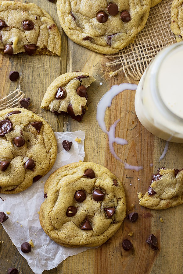 These No Chill Soft Chocolate Chip Cookies are loaded with chocolate chips, require no special ingredients and no chilling! Perfect!