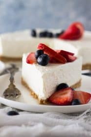 This No Bake Vanilla Cheesecake is incredibly smooth, light and airy. And it will go perfect with so many toppings!