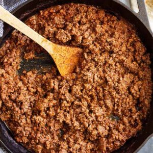 Homemade Ground Beef Taco Meat -a great taco meat recipe that can be made with beef, turkey, or ground chicken. Quick and easy and perfect for tacos, burritos, or nachos!