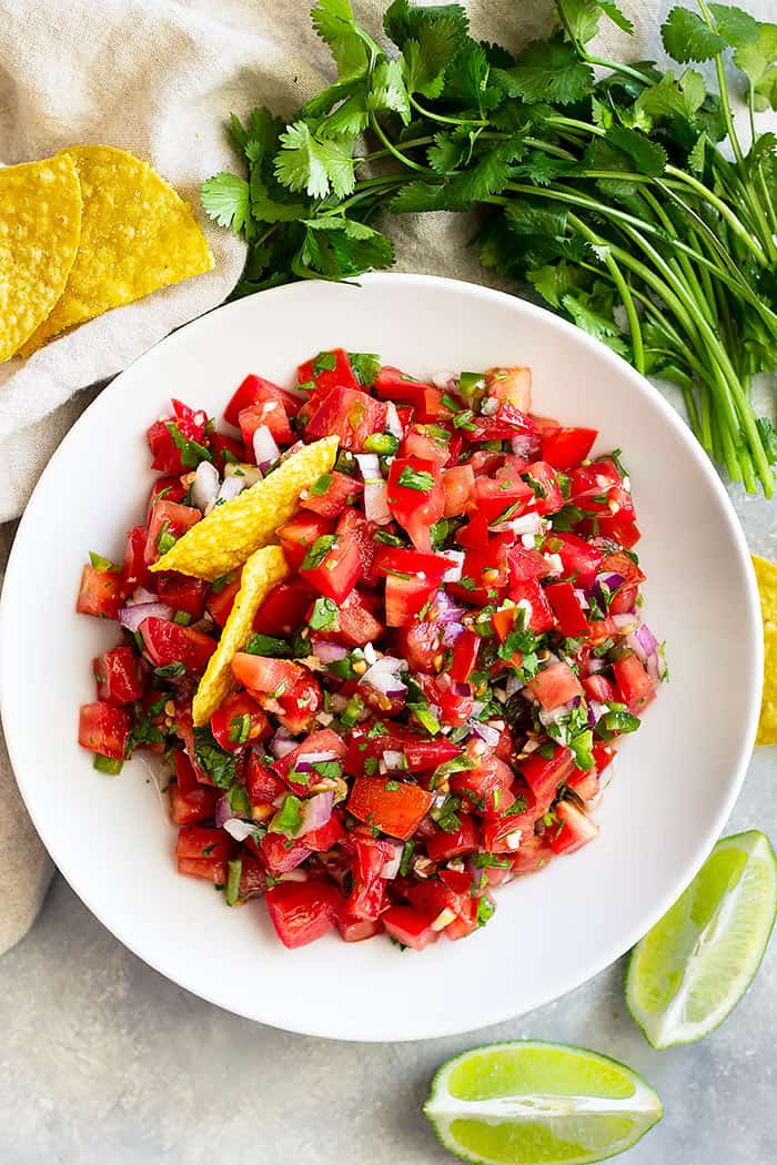 How to make Homemade Pico de Gallo -a simple and easy fresh salsa that goes great with so many Mexican dishes!