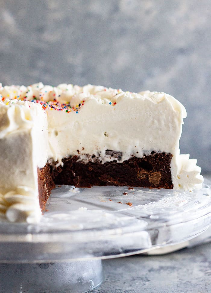 This Brownie Ice Cream Cake is the perfect summertime cake! It's easy to make and sure to impress! #brownie #icecream #cake