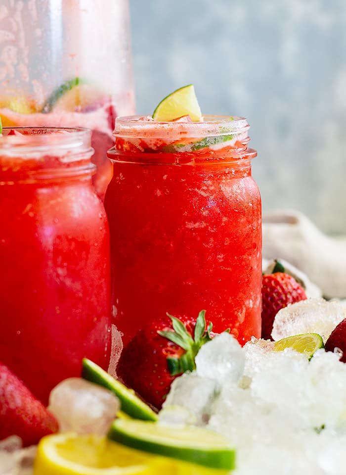 This Strawberry Lemonade Margarita is the perfect summertime drink! It's so refreshing, easy to make, and perfect for a party! #cocktail #strawberry #margarita #easy
