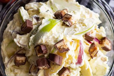This Snicker Apple Salad is a super easy dessert salad that's great to take to potlucks, picnics, and family gatherings! It's guaranteed to be the first to go! #apple #easyrecipe #dessert #coolwhip
