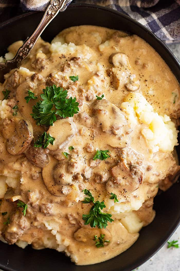 This Ground Beef Stroganoff is the perfect weeknight meal. It's ready in 30 minutes and is full of flavor! #groundbeef #stroganoff