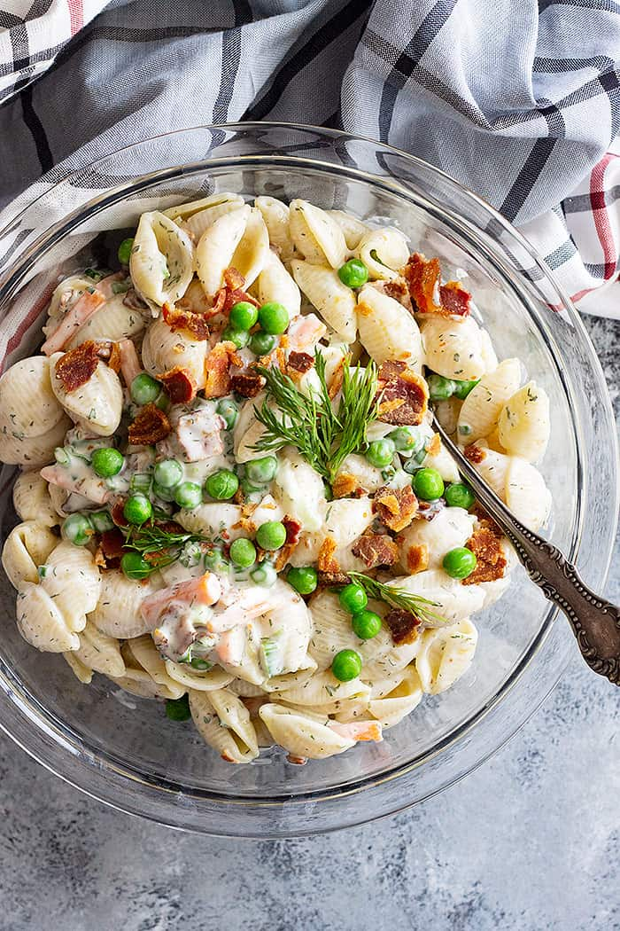 This Bacon Ranch Pasta Salad is so easy to make and tastes so much better than the store bought version! #pastasalad #baconranchpasta