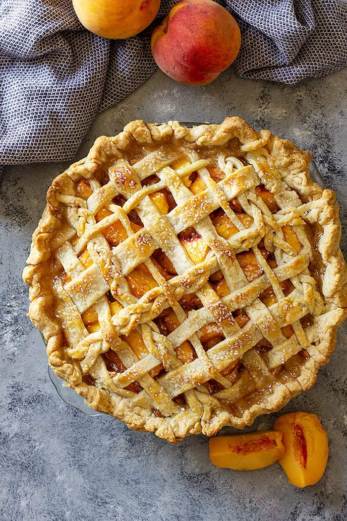 picture of a freshly baked peach pie