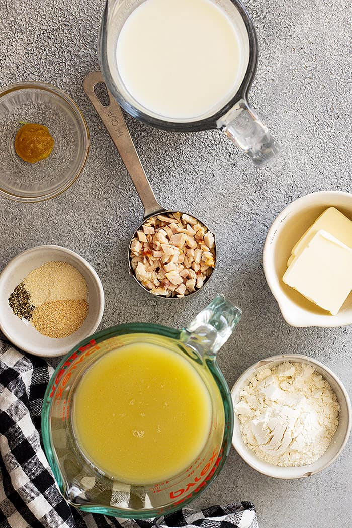 Ingredients used in this recipe- chicken broth, cream, butter, flour, spices, and chicken.